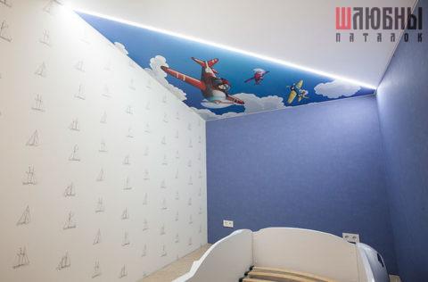 Комбинированный потолок с матовым полотном и парящей линией в Могилеве фото
