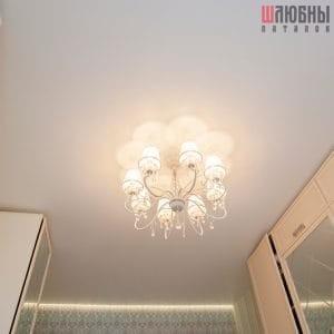Белый матовый парящий потолок в спальню в Могилеве фото 2