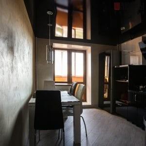 Черный натяжной потолок в кухню в Могилеве фото 1