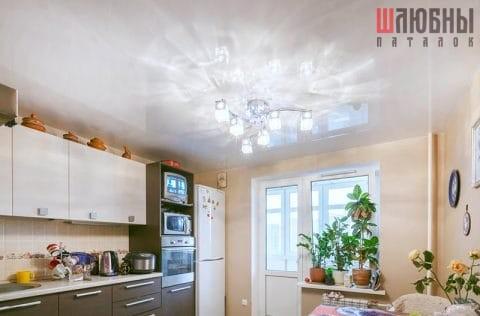 Глянцевый натяжной потолок в кухню в Могилеве фото 2