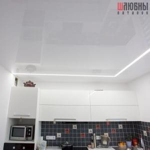 Глянцевый натяжной потолок с парящими линиями в Могилеве фото