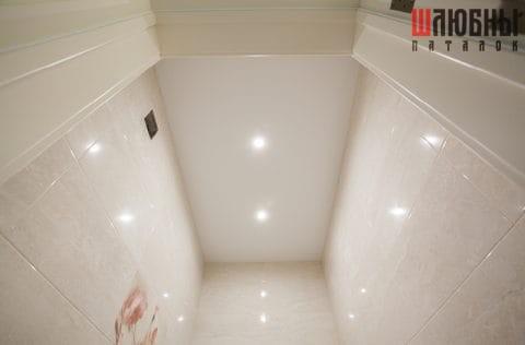 Матовый натяжной потолок в санузел в Могилеве фото