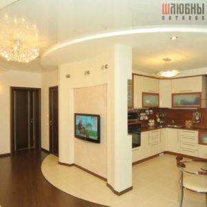 Многоуровневый комбинированный натяжной потолок в студию в Могилеве фото