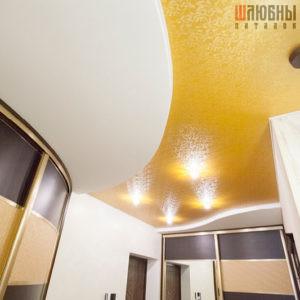 Оранжевый двухуровневый потолок в прихожую в Могилеве фото